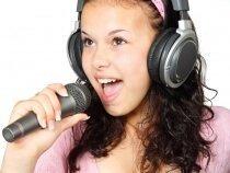 Czy warto kupić sobie mikrofon ze słuchawkami?